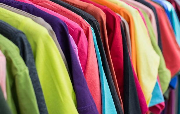 Descubra como vender camisetas pela internet