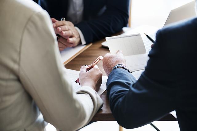 propriedades e itens de valor de uma empresa
