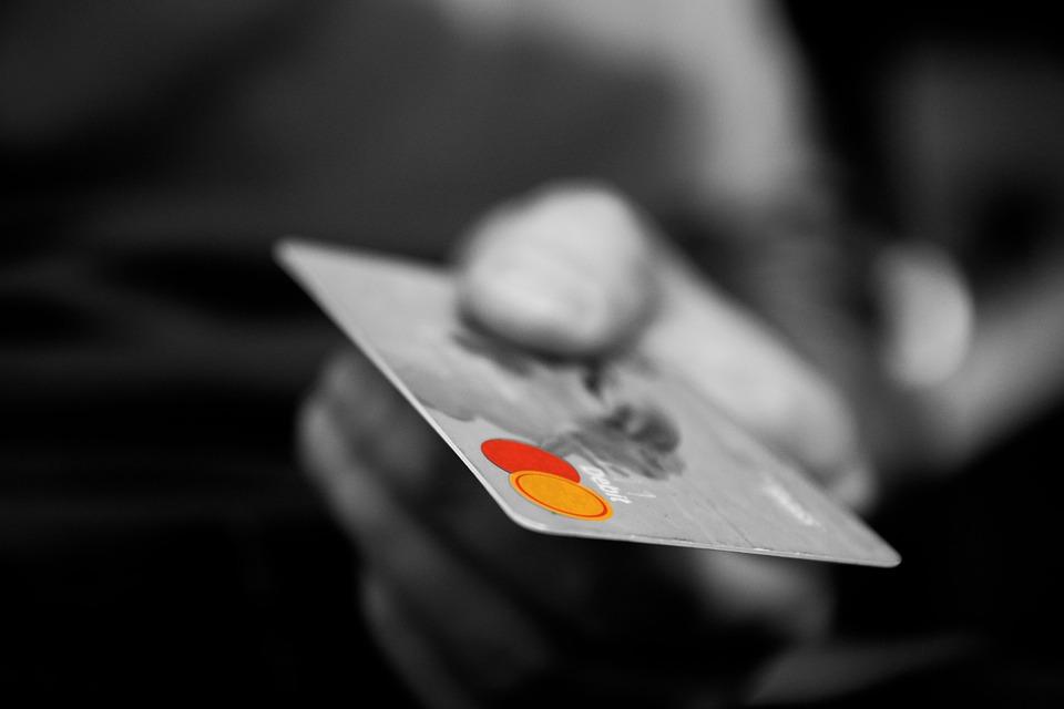 maquina de cartão com menor taxa de debito, credito e parcelamento